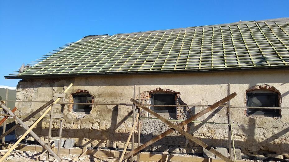 Istálló tetőszerkezetének cseréje